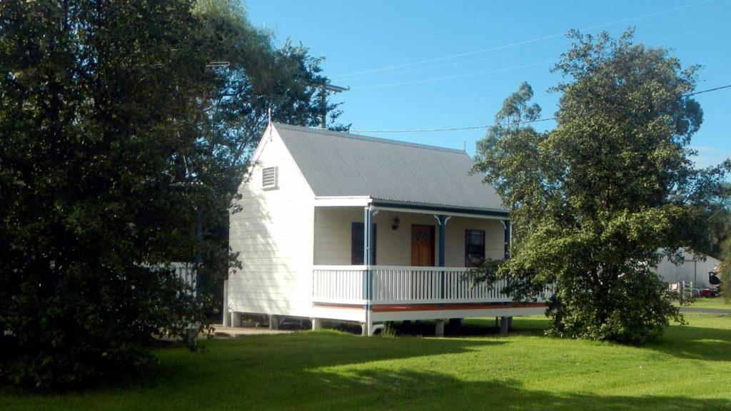 Leyburn Motel Cabin 1