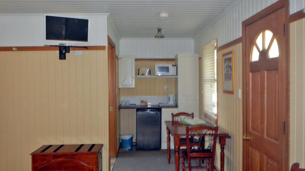 Leyburn Motel Cabin No 3 Kitchenette