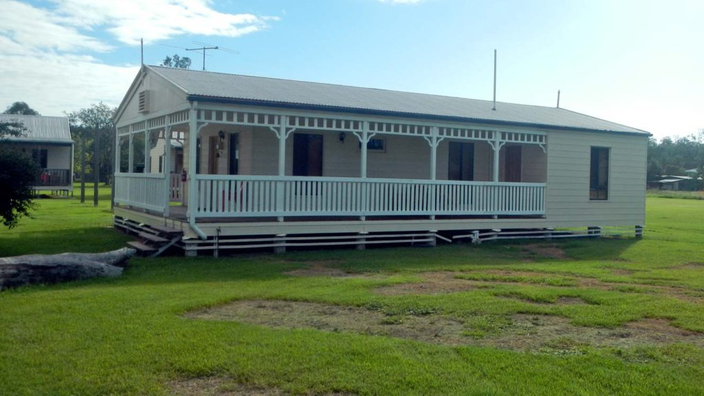 Leyburn House Accommodation Outdoor Verandah