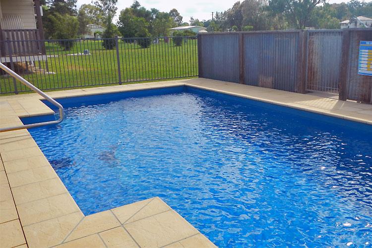 Leyburn Motel / Cabins swimming pool
